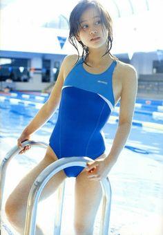 Horikita Maki in the school period swimsuit image acquisition Racing Swimsuits, Beautiful Japanese Girl, Model One, Kawaii, Girls Gallery, Cute Beauty, Asia Girl, Girl Poses, Asian Fashion