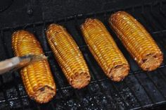 Apple Wood Smoked Corn on the Cob - COOKING - I've grilled corn in the husk. I've grilled it in foil. I've grilled it naked. Pellet Grill Recipes, Grilling Recipes, Grilling Tips, Smoked Corn On The Cob Recipe, How To Cook Corn, Smoke Grill, Smoker Cooking, Smoking Recipes, Corn Recipes