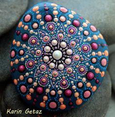 painted rocks, painted stones, rock art, mandala stone, mandala art, blue mandala, miniature art, special rock, zen art, zen stone #designbarfind #yoga #zen #art #creative #rockart #rocks #pebbles