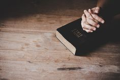 Christian life crisis prayer to god. Bible Photos, Bible Images, Bible Pictures, Text Pictures, Worship Backgrounds, Christian Backgrounds, Pray Wallpaper, Prayer Images, La Sainte Bible