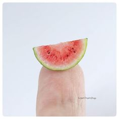 Tanja - Miniatures (@sugarcharmshop) • Instagram-billeder og -videoer Polymer Clay Miniatures, How To Get Warm, Miniature Food, Watermelon, Sunshine, Fruit, Mini Mini, Mini Things, Dollhouses
