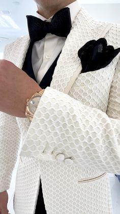 Gq Fashion, Mens Fashion Suits, Sharp Dressed Man, Well Dressed Men, Slim Fit Suits, Groom Wear, Dapper Men, Suit And Tie, Blazers For Men
