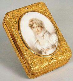 - Tabaquera francesa de 1815 . Metropolitan Museum NY