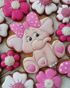 Cupcakes Baby Shower Elefante 24 Ideas For 2019 Cookies For Kids, Fancy Cookies, Royal Icing Cookies, Cupcake Cookies, Sugar Cookies, Elephant Food, Elephant Cookies, Elephant Cupcakes, Baby Shower Cupcakes