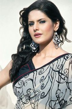 Zareen Khan Bollywood Bikini, Bollywood Girls, Bollywood Actors, Kareena Kapoor Saree, Priyanka Chopra, Deepika Padukone, India Beauty, Asian Beauty, Zarine Khan Hot