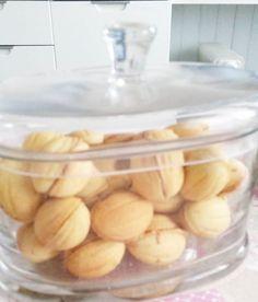 Voilà donc la recette tant demandé de la Zouza, ce biscuit tunisien tant convoité ! Zouza veut dire noix, car cette petite merveille ressemble à la forme d