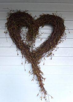 Stort hjerte av hengebjørk – fleurs Grapevine Wreath, Grape Vines, Primitive, Diy Home Decor, Christmas Wreaths, Projects To Try, Holiday Decor, Fall, Design