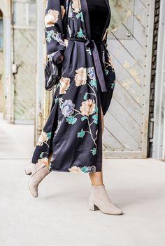 Die Frühlings-Stiefeletten runden Dein stylisches Outfit ab! #derschuhmeineslebens #paulgreen #paulgreenlovesyou #suede www.paul-green.com Dna, Elegant, Kimono Top, Outfit, Tops, Women, Style, Design, Fashion