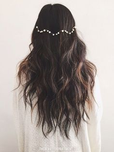 This could be the easiest wedding hair DIY of all time!