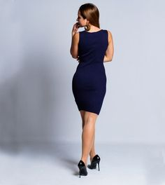 Um vestido casual e que se adapta à forma do teu corpo, realçando as tuas curvas. Perfeito para uma saída casual com os amigos num fim de tarde, pois é uma peça elegante e que te fará sentir bonita, ao realçar a tua beleza natural e feminilidade. Vestido Casual, High Neck Dress, Dresses For Work, Black, Fashion, Mesh Dress, Rib Knit, Clothes Women, Natural Beauty