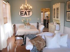 Blue dining room (Wythe Blue - Benjamin Moore)