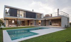 La imagen puede contener: piscina, cielo, casa y exterior Modern Architecture House, Modern House Design, Architecture Design, Contemporary Design, Home Building Design, Building A House, Dream House Exterior, House Exteriors, Future House