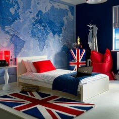 Teenage Bedroom Decor Idea for the Adventurous Traveler - Cool Teenage Boys Room Decor Ideas: Best Teen Boy Room Designs and Decorating Ideas Teenage Girl Bedroom Designs, Teenage Girl Bedrooms, Boys Bedroom Ideas Tween, Boys Teenage, Boys Bedroom Decor, Girls Bedroom, Childrens Bedroom, Girl Room, Comfy Bedroom