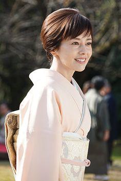 Japanese Beauty, Yukata, Japanese Kimono, Actresses, Female, Porsche, Photograph, Woman, Fashion