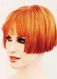 20 Short Straight Hairstyles 2013 - 2014 haircut 1 new york plaza - New Hair Cut Vintage Hairstyles, Bob Hairstyles, Straight Hairstyles, New Haircuts, Hairdos, Short Straight Hair, Short Hair Cuts, Short Hair Styles, Straight Razor