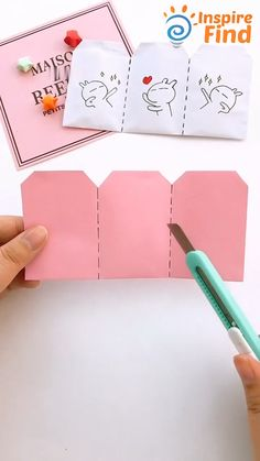 Diy Crafts Hacks, Diy Crafts For Gifts, Diy Home Crafts, Diy Arts And Crafts, Diy Gifts Videos, Craft Presents, Handmade Gifts For Friends, Handmade Books, Diy Videos