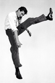 Antony Perkins  jumpology Philippe halsman
