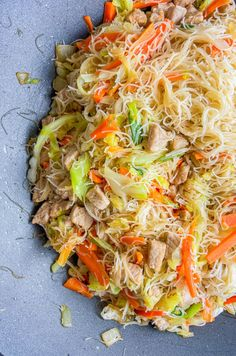 Pancit is a classic Filipino Recipe. It's a quick and easy stir-fried rice noodle dish with a savory sauce, pork and vegetables. Pork Recipes, New Recipes, Chicken Recipes, Dinner Recipes, Cooking Recipes, Favorite Recipes, Recipies, Vegetarian Recipes, Chicken Pancit Recipe