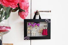 La gestione degli accessori è una piaga che affligge quotidianamente una donna…