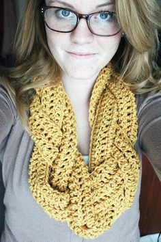 Braided Crocheted Scarf With Rough Pattern. So easy to make! Quicker than normal scarves, cool twist on traditional infinity/ eternity/ circle/ loop scarves!