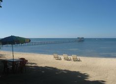 Roatan--$75 pn with A/C---Hobbies Hideaway is located on a half mile stretch of white sand beach, with crystal clear waters in the Sandy Bay area of Roatan, just 4km outside of West End. This area represents some of most unspoiled reef area of the Roatan Marine Reserve, with popular dive sites within swimming distance from your beach front apartment.We provide airport transportation to the lodging at no charge. Honduran coffee is provided free.