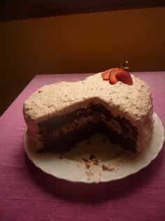 Tarta supefácil de chocolate, fresas y nata para #Mycook http://www.mycook.es/receta/tarta-supefacil-de-chocolate-fresas-y-nata/