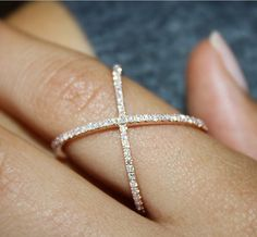 Must have! Round brilliant diamond fashion ring