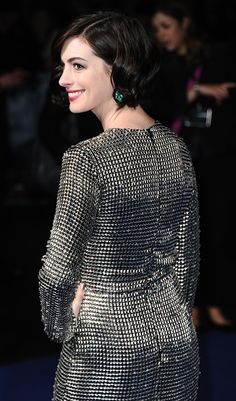 """Anne Hathaway Photos - Anne Hathaway attends the European premiere of """"Interstellar"""" at Odeon Leicester Square on October 2014 in London, England. - 'Interstellar' Premieres in London Anne Hathaway Photos, Emily Osment, Leicester Square, Sophie Marceau, Shailene Woodley, Alyson Hannigan, Alyssa Milano, Jennifer Garner, Celebrity Babies"""