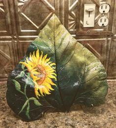 Sunflower painted on concrete sunflower leaf Painting Cement, Cement Art, Concrete Crafts, Concrete Projects, Diy Painting, Cement Flower Pots, Cement Garden, Ceramic Flowers, Garden Art