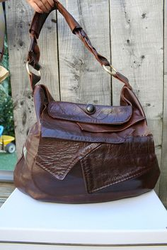 how-to for making a purse from an old leather jacket - by Luz Mendoza Patterns