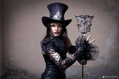 NIGHT CIRCUS The Magier (Photographer Pierre Leszczyk) von Pierre Leszczyk    EmpireArt