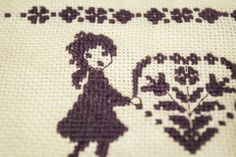 """""""Szeretettel"""" hímzett kép, Dekoráció, Otthon, lakberendezés, Kép, Falikép, Ezt a hímzést Anyák Napjára készítettem, de bármilyen alkalomból kedves ajándék lehet.  A ..., Meska Cross Stitch, Snoopy, Fictional Characters, Art, Art Background, Punto De Cruz, Seed Stitch, Kunst, Cross Stitches"""