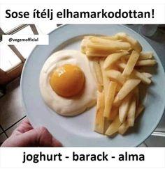This isn't an egg & fries. It is yogurt, peach & apple. Breakfast Quotes, Best Breakfast, Health Breakfast, Facebook Humor, Healthy Eating Recipes, Healthy Desserts, Toffee Cookie Recipe, Yogurt, Duncan