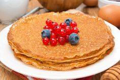 Easy, delicious and healthy Whole Wheat Yogurt Cinnamon Pancakes recipe from SparkRecipes. See our top-rated recipes for Whole Wheat Yogurt Cinnamon Pancakes. Low Carb Pancakes, Low Carb Bread, Low Carb Breakfast, Low Carb Keto, Breakfast Recipes, Cheese Pancakes, Low Carb Desserts, Low Carb Recipes, Cooking Recipes