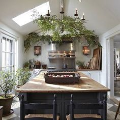 This stunning evergreen eat-in. | 21 Photos That Will Give You The Most Intense Kitchen Goals