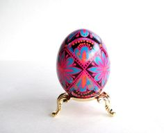 Check out this item in my Etsy shop https://www.etsy.com/ca/listing/66409425/fancy-pysanka-chicken-egg-hand-painted