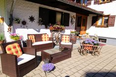 Gatterhof Hauseingang in Riezlern Kleinwalsertal Vorarlberg Patio, Outdoor Decor, Home Decor, House Entrance, Garten, Homemade Home Decor, Yard, Terrace, Decoration Home