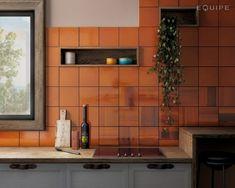 Habitat Tangerine 20x20   kakelhornan.se Burnt Orange Kitchen, Orange Kitchen Walls, Orange Kitchen Decor, Orange Walls, Burnt Orange Bathrooms, Kitchen Paint, Kitchen Backsplash, Kitchen Design, Backsplash Ideas