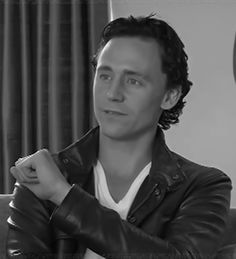 Tom HIddleston neing adorable