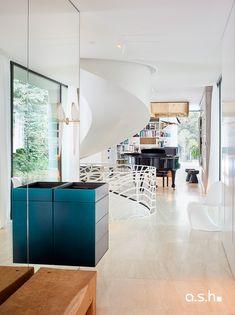 Interior Design project by studio a.s.h. Villa Design, Modern Classic, Ash, Entrance, Living Spaces, Interior Design, Studio, Kitchen, Furniture