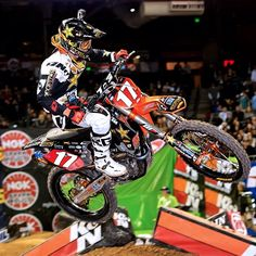 Jason Anderson grabs back-to-back Supercross victories! Motocross Riders, Four Wheelers, Dirtbikes, Monster Energy, Biking, Motorbikes, Phoenix, Motorcycles, Brother