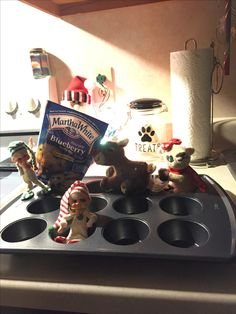 Elf baking muffins!