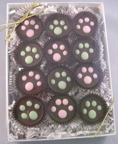 Gourmet Dog Treats Peanut Butter Cups by TwoTailsDogBakery Puppy Treats, Diy Dog Treats, Gourmet Dog Treats, Homemade Dog Treats, Dog Treat Recipes, Healthy Dog Treats, Dog Food Recipes, Food Tips, Diet Tips