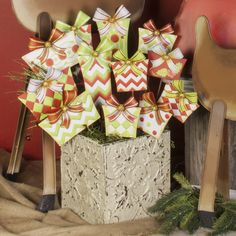 Roundtop Collection Gift Stakes