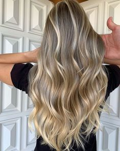 Brown Hair Balayage, Blonde Hair, Hair Color Guide, Medium Length Hair With Layers, Truss Hair, Hair Health, Layered Hair, Hair Looks, Pretty Hairstyles