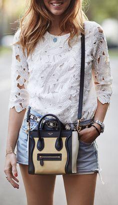 J'adore cette outfit, mais je veux le sac en rouge ou peut-être rose