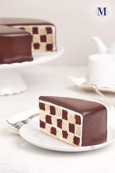 amazing checkerboard cake by Lady M Confections. How much time did it take to make? Chocolate Sponge Cake, Chocolate Coffee, Chocolate Ganache, Cupcakes, Cupcake Cakes, Beautiful Cakes, Amazing Cakes, Cake Pops, Chocolates
