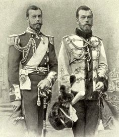 King George V and his look-a-like first cousin Tsar Nicholas II