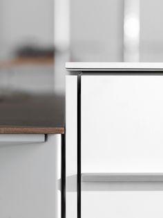Timeless classic radically changed by Dante Bonuccelli Hidden Kitchen, Modern Kitchen Island, Kitchen Cupboards, Timeless Classic, Matisse, Kitchens, Profile, Interior Design, Detail
