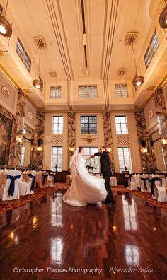 Brisbane Wedding Photography, Tattersalls club reception venue, wedding dance